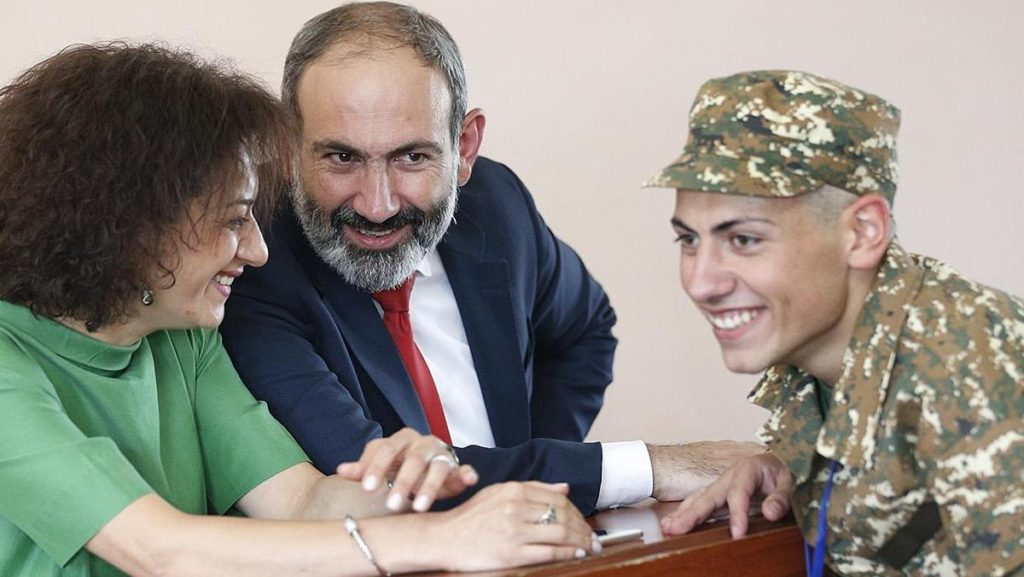 Anna Hakobyan and Nikol Pashinyan with their son Ashot, who is now doing military service in Nagorno Karabakh. Image courtesy www.PrimeMinister.am
