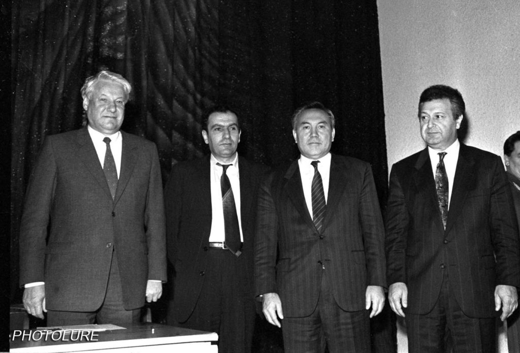 Presidents Ter-Petrosyan and Mutalibov with presidents Yeltsin and Nazarbayev during Sept. 1991 talks in Russia. Photolur.