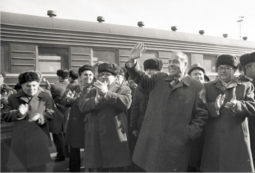 Boris Kevorkov (on right) enjoyed a close relationship with Heydar Aliyev, pictured in Stepanakert in 1979. Photo courtesy of Azerbaijan railroads.