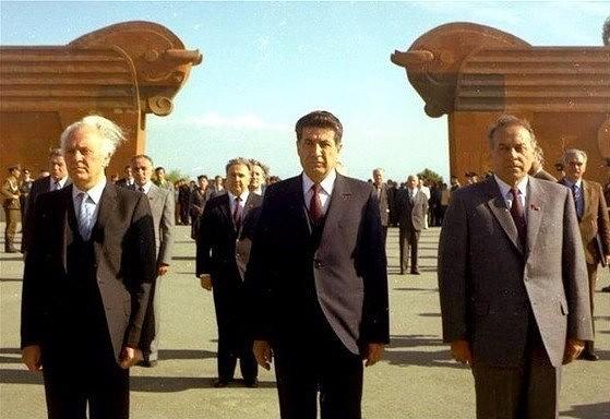 Leaders of Soviet Georgia, Armenia and Azerbaijan at Sardarabad memorial in early 1980s.