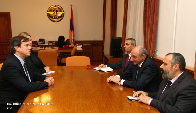 NKR Pres. Bako Sahakyan, aide David Babayan and foreign minister Masis Mayilyan meet the U.S. envoy for Karabakh Andrew Schofer on Oct. 4. Courtesy of NKR President's office