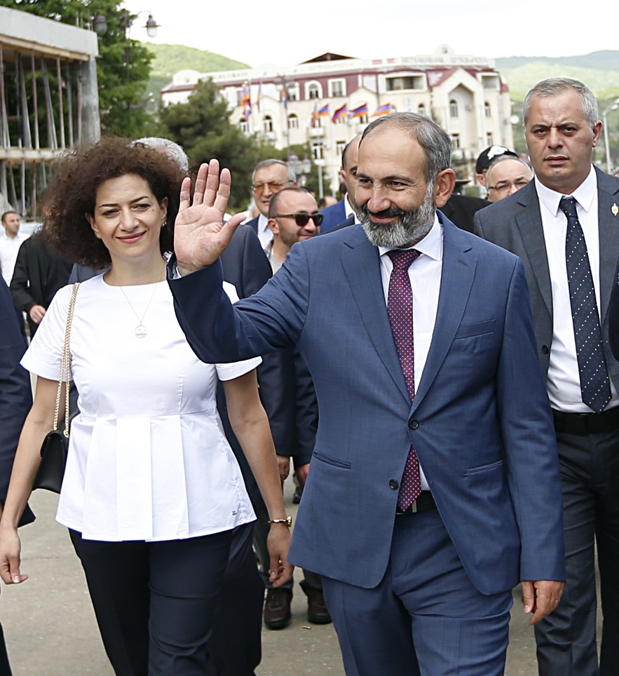 Pashinyan and spouse Anna Hakobyan in Stepanakert on May 9. Image courtesy of PrimeMinister.am
